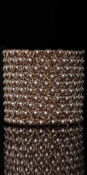 Elegantes Perlenarmband